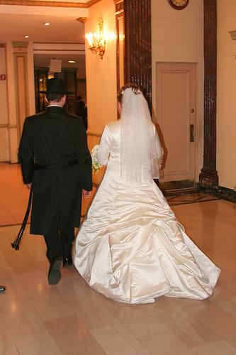 http://www.vosizneias.com/wp-content/uploads/2008/11/bride-groom.jpg