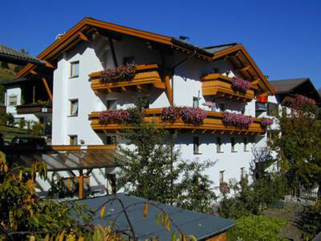 Appartementenhotel Haus Sonnenhof in het Tiroolse dorp Serfaus