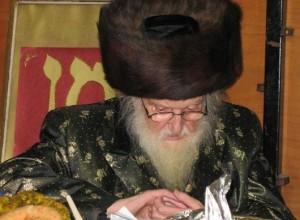 Rabbi Moishe Sternbuch, Shlita