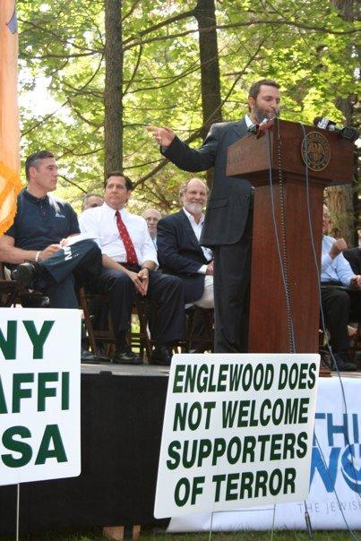 Rabbi Boteach organized a protest to deny Qaddafi visitation rights to New Jersey Sunday Aug 30