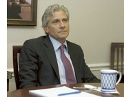 Bruce A. Blakeman, 54, the former Republican candidate for New York State comptroller in 1998, announced that he would seek to run against Senator Kirsten Gillibrand in next years election