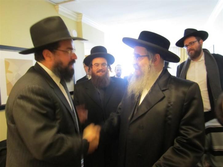 Chabad emissary Reb Levi Shemtov greets the Rebbe