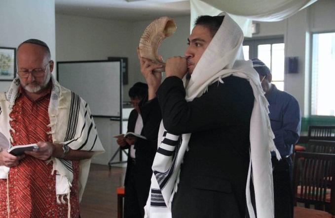 Rosh Hashana in the Shul 2010