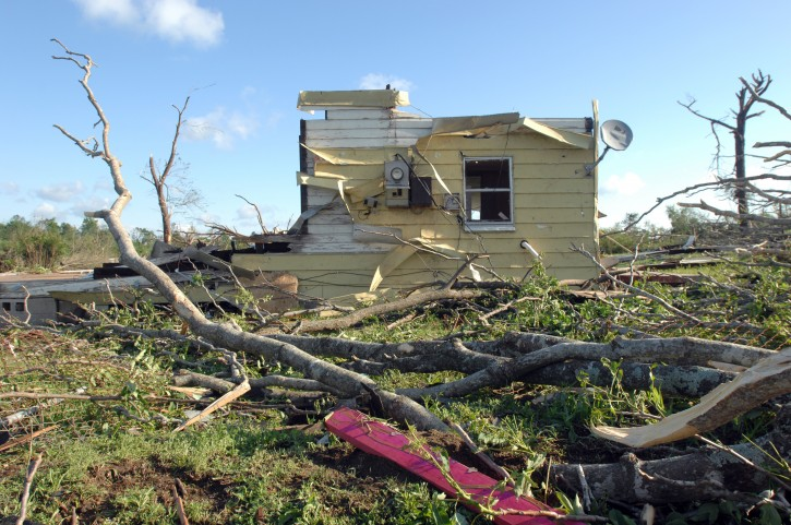 The remains of a house among storm debris in Pratt City, Alabama, USA, 28 April 2011. Severe weather and more than 100 tornados destroyed towns and killed more than 200 people across the southern USA, on 27 April 2011.  EPA/CHRISTINE PRICHARD