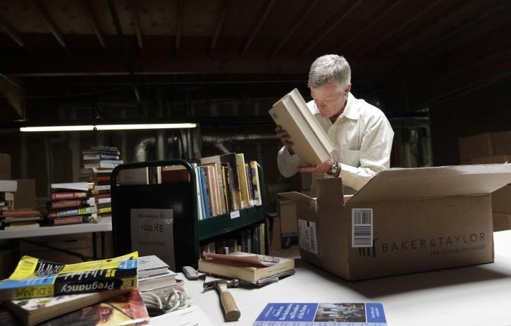 Richmond Ca Internet Archivist Seeks Satu Of Every Book