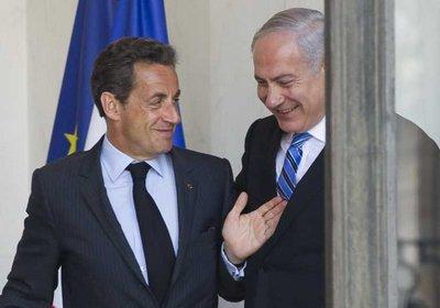 FILE - French President Nicolas Sarkozy (L) escorts Israeli Prime Minister Benyamin Netanyahu (R) as he leaves Elysee Palace after a meeting in Paris, France, 05 May 2011.  EPA/IAN LANGSDON