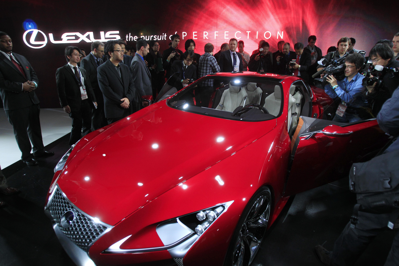http://www.vosizneias.com/wp-content/uploads/2012/01/Auto-Show_sham.jpg