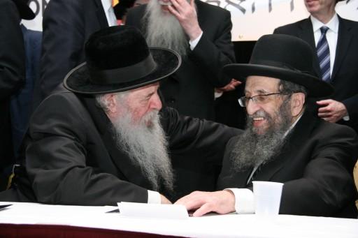 FILE - Rabbi Shmuel Kaminetzky(R) with Rabbi Yaakov Perlow  Novominsker Rebbe. Shimon Gifter