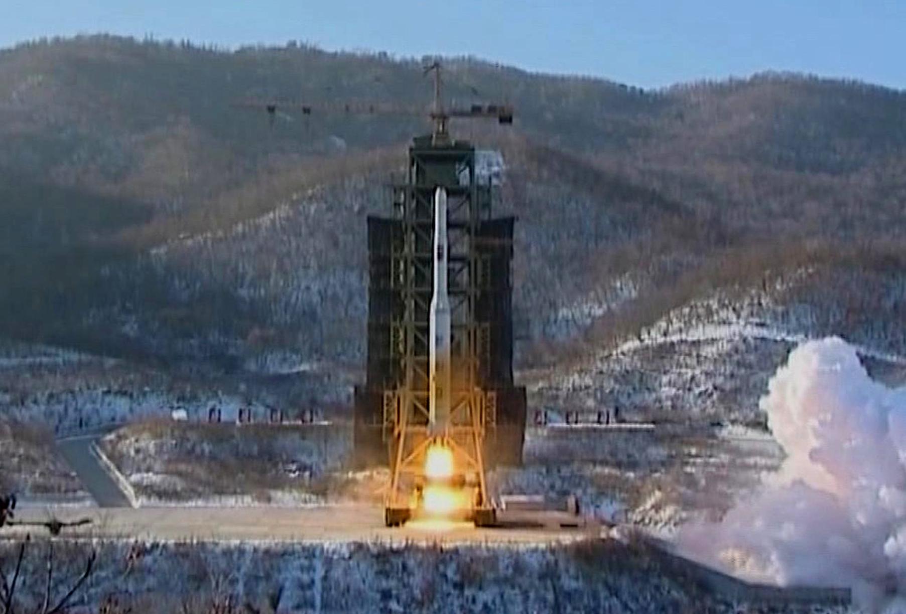 http://www.vosizneias.com/wp-content/uploads/2013/01/North-Korea-Nuclear_sham.jpg