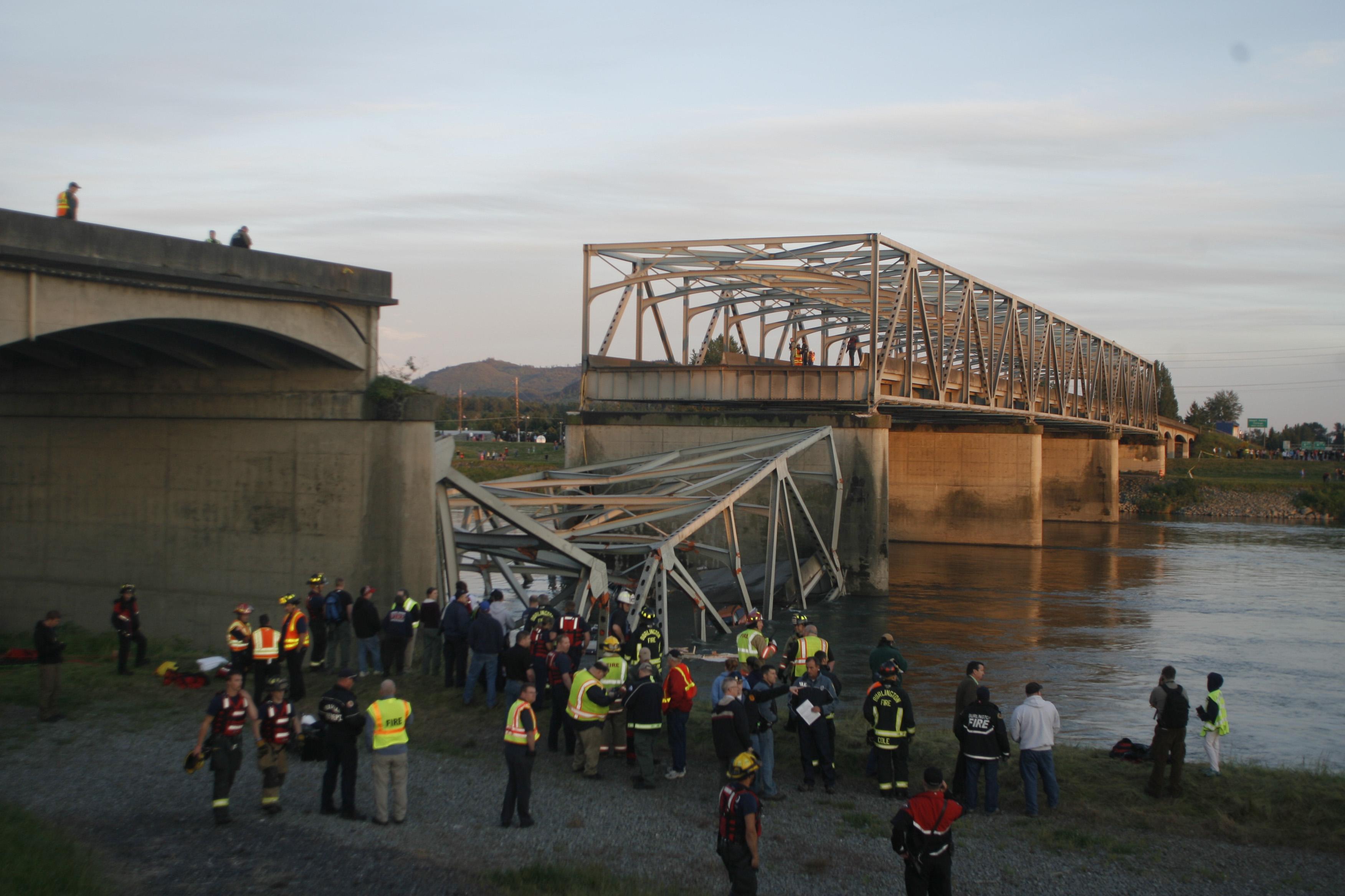 Mount Vernon Wa I 5 Bridge Collapse Caused By Truck