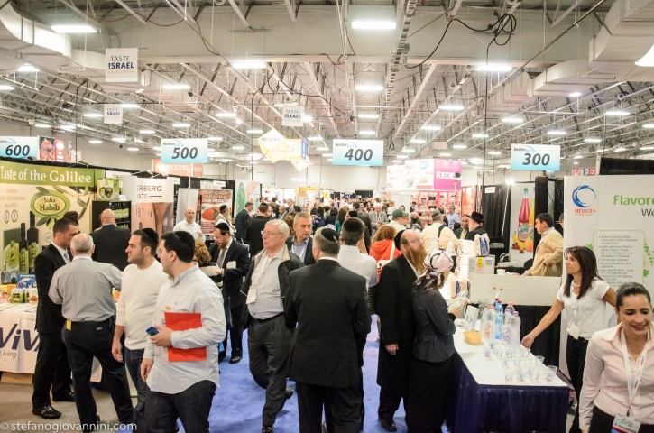 Participants at the trade exhibitor of Kosherfest 2013 in Secaucus, NJ on Oct. 29 2013(Stefano Giovannini/VINnews.com)