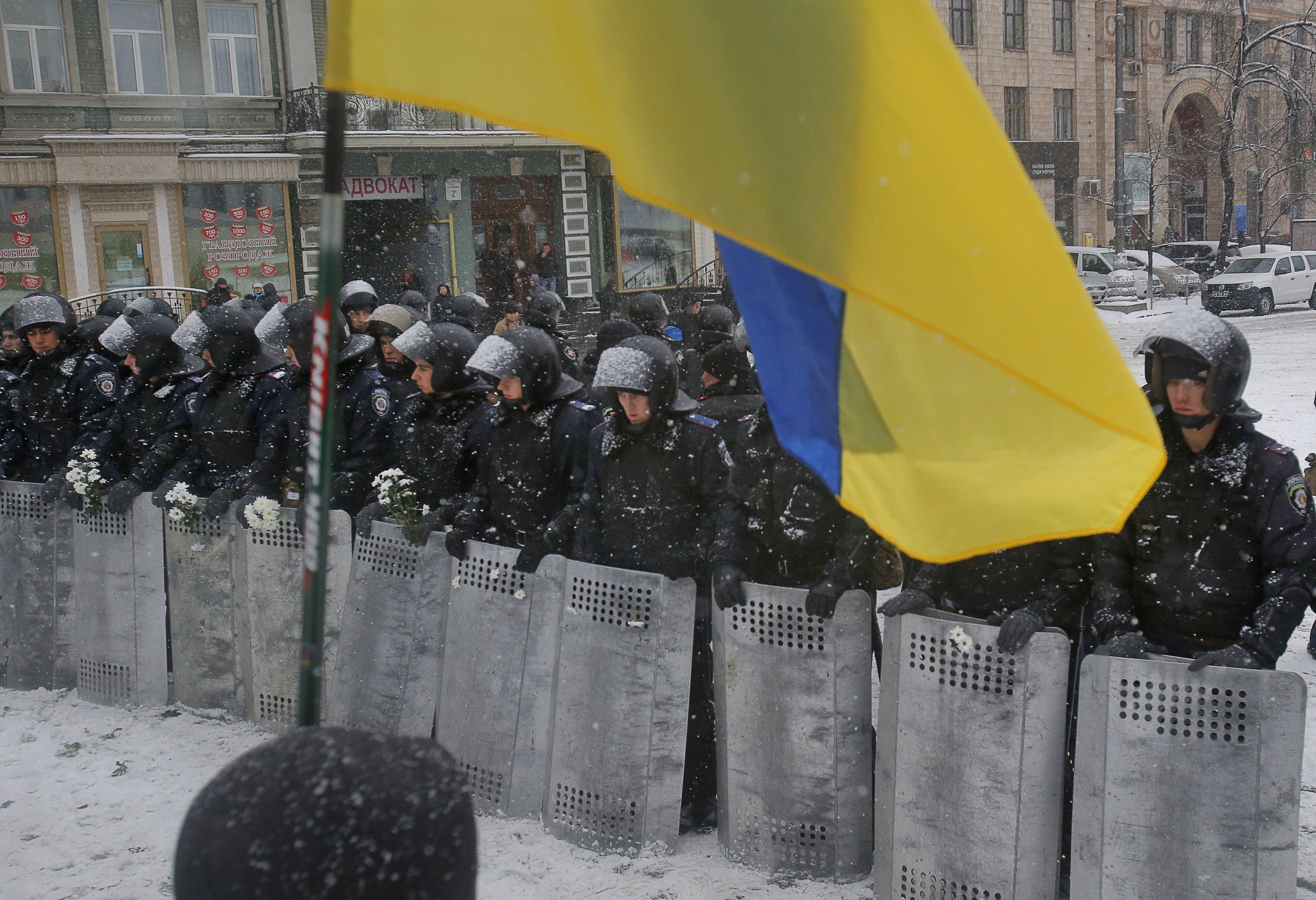 Ukraine - Riot Police Deploy Near Protest Sites In Kiev ...