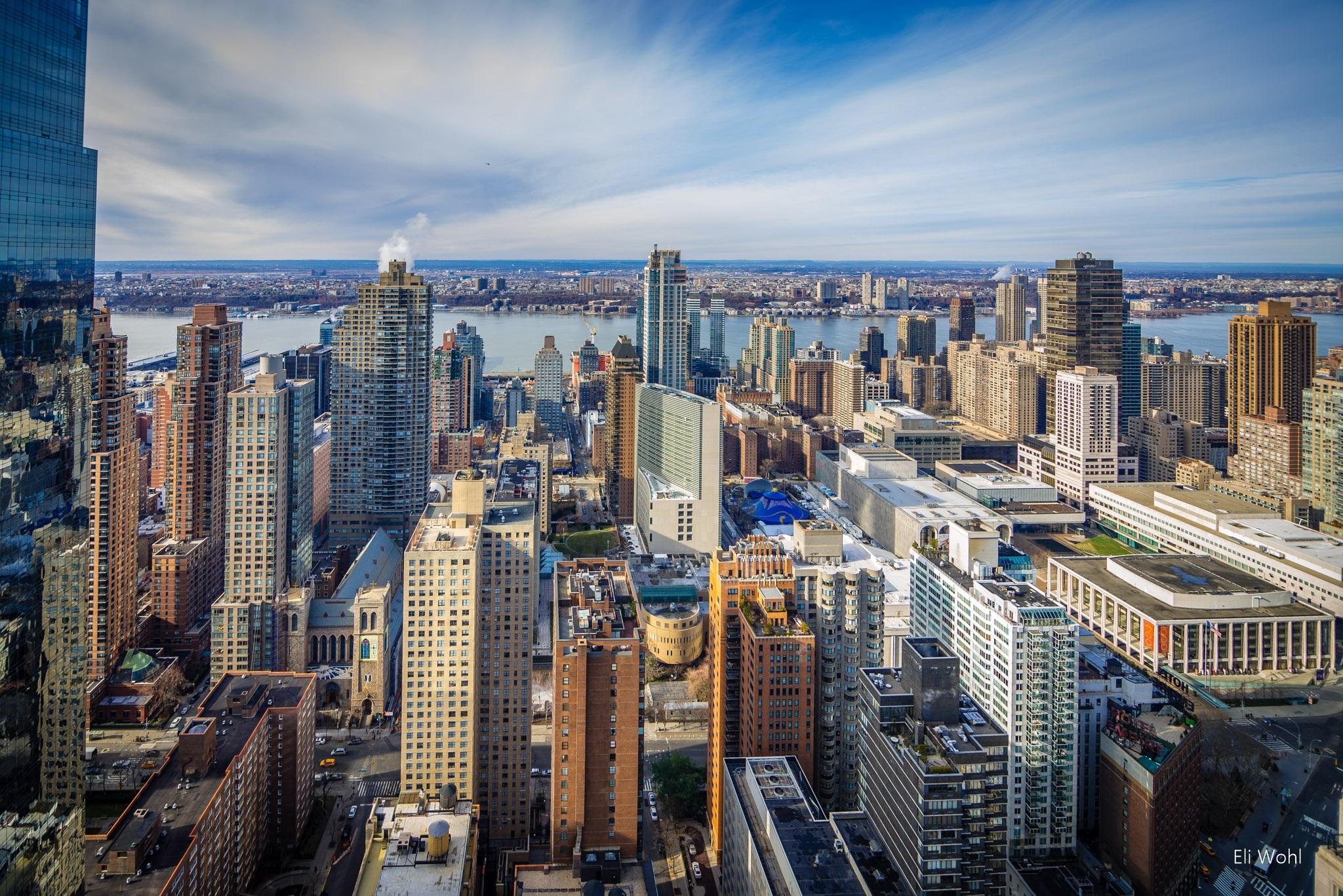 New york manhattan apartment sales reach highest level for New york manhattan apartments