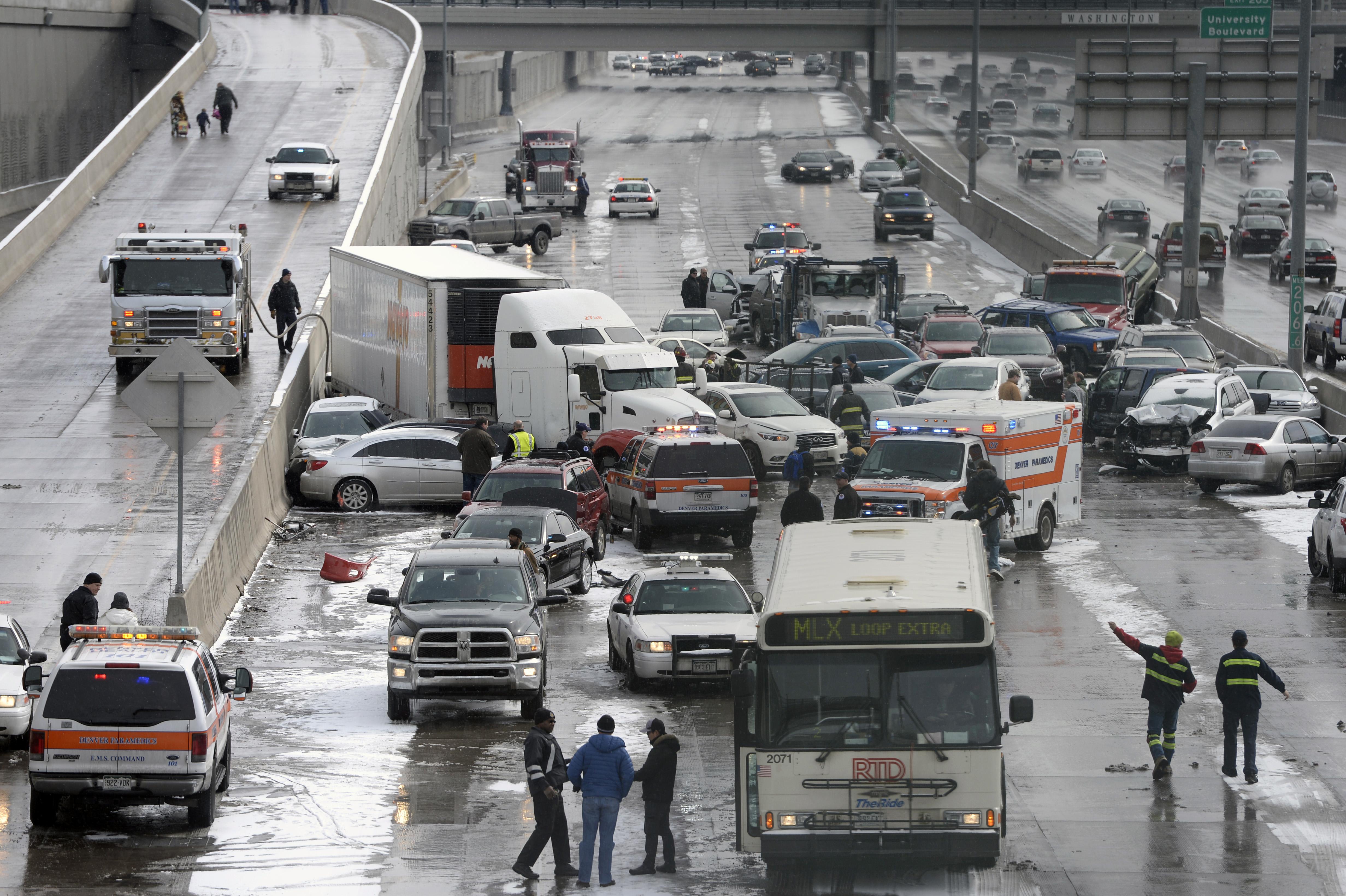 Denver - 1 Killed, 30 Injured In Massive Colorado Pileup