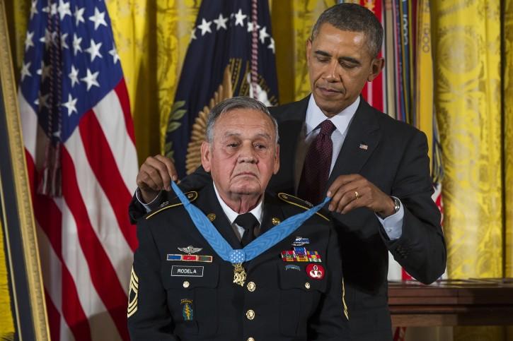 Washington - Obama Giving Medal Of Honor To Veterans ...