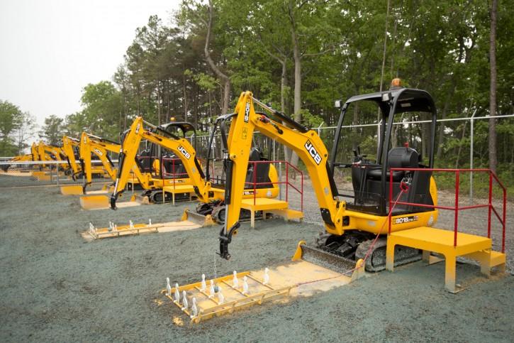 Mini Construction Equipment : West berlin nj construction themed park lets kids move