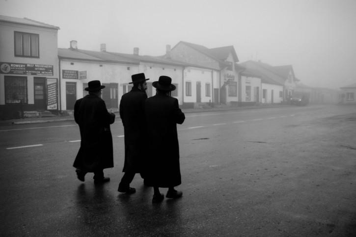 One of other recent photos taken by Traczewska, this one in Poland Lelov on the yahrzeit of Lelover Rebbe Rabbi David Biderman