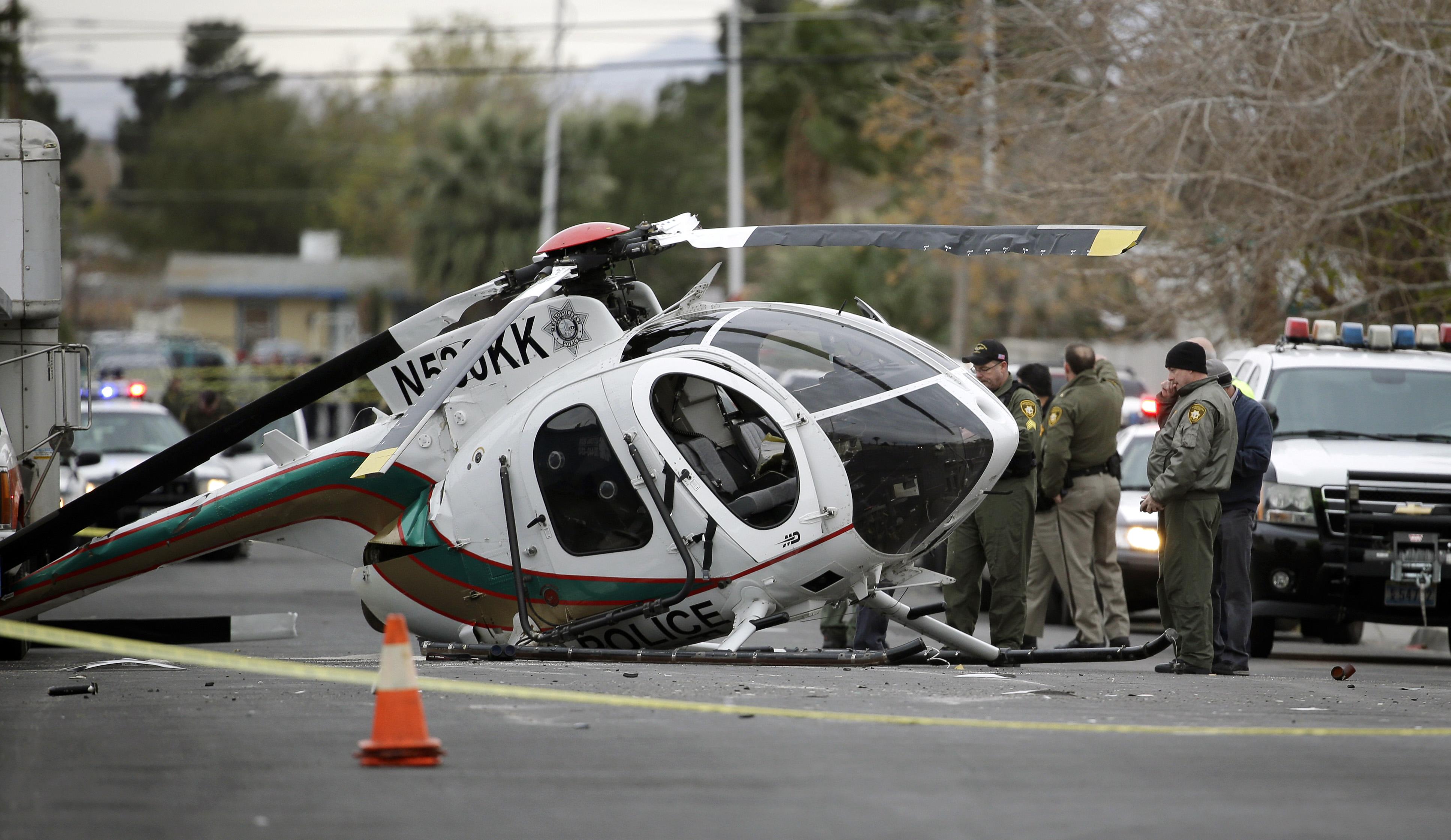 Las Vegas NV  2 Officers Hurt In Vegas Police Helicopter Crash