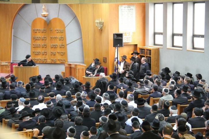 Mrs. Chaya Subar mother of Reb Dovid eulogizes son (Shimon Gifter/VINnews)