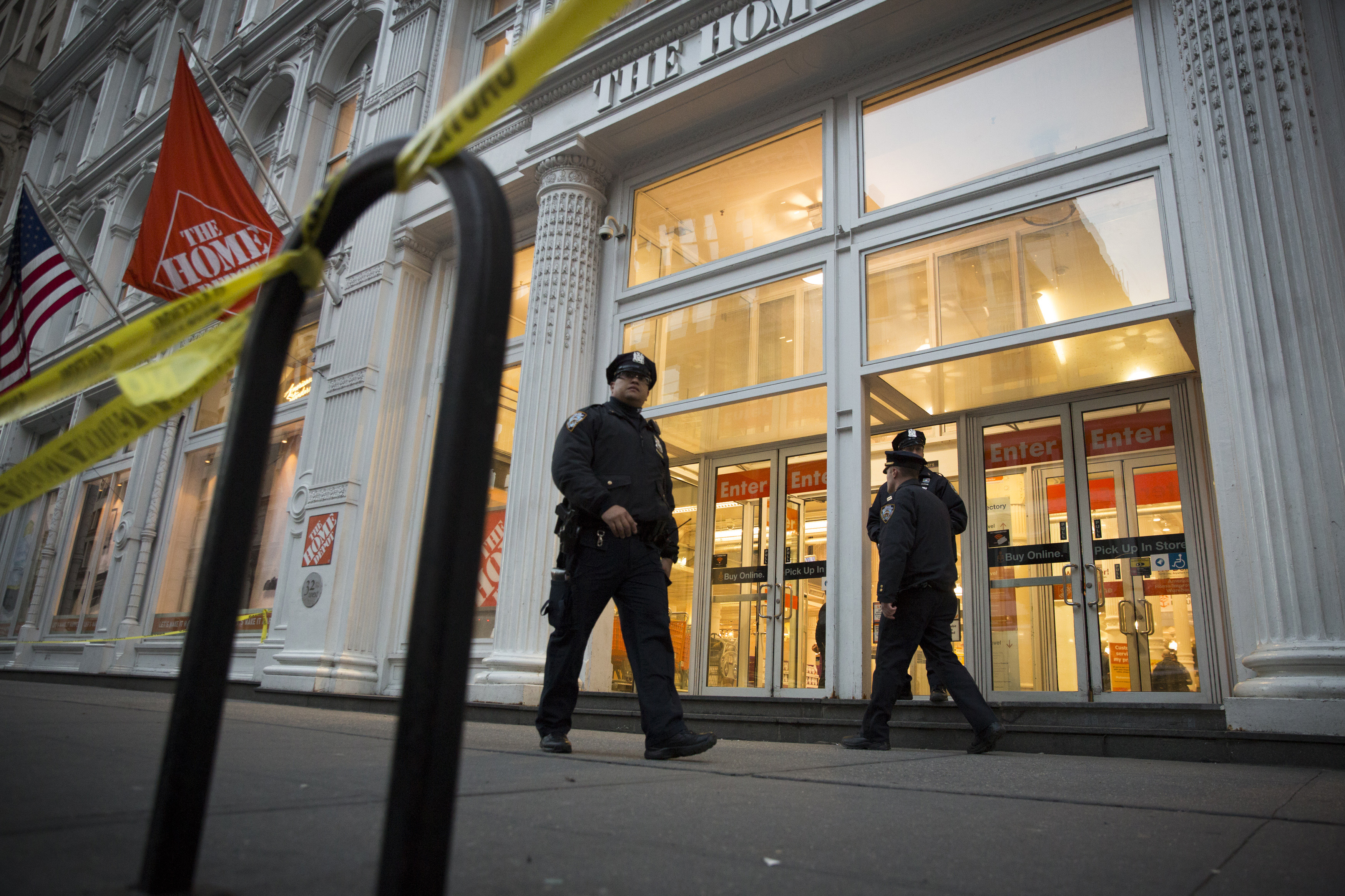 New York Home Depot Shoppers Flee As Employee Fatally