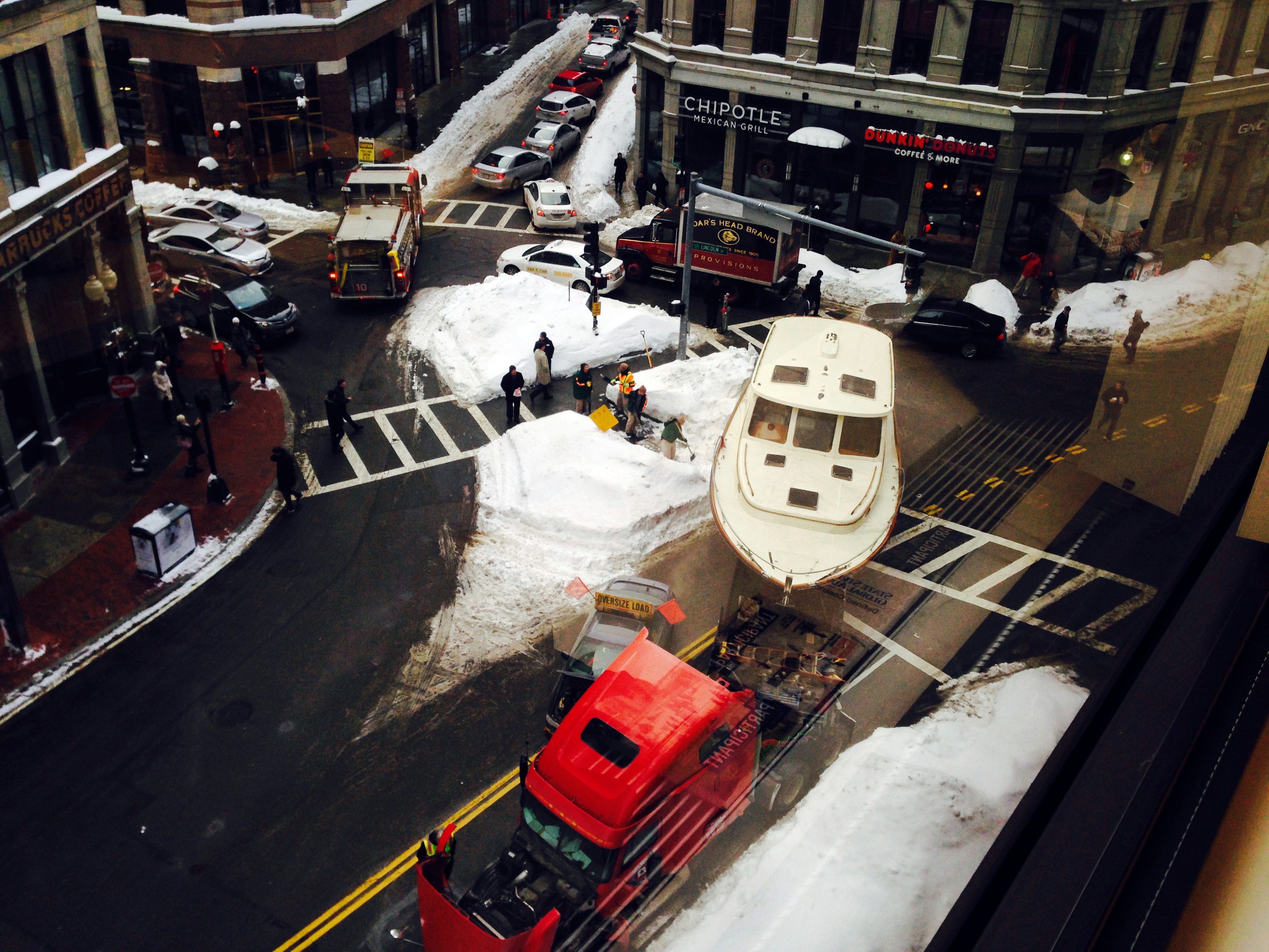 Boston - 36-Foot Yacht Blocks Traffic In Snow-Clogged Downtown