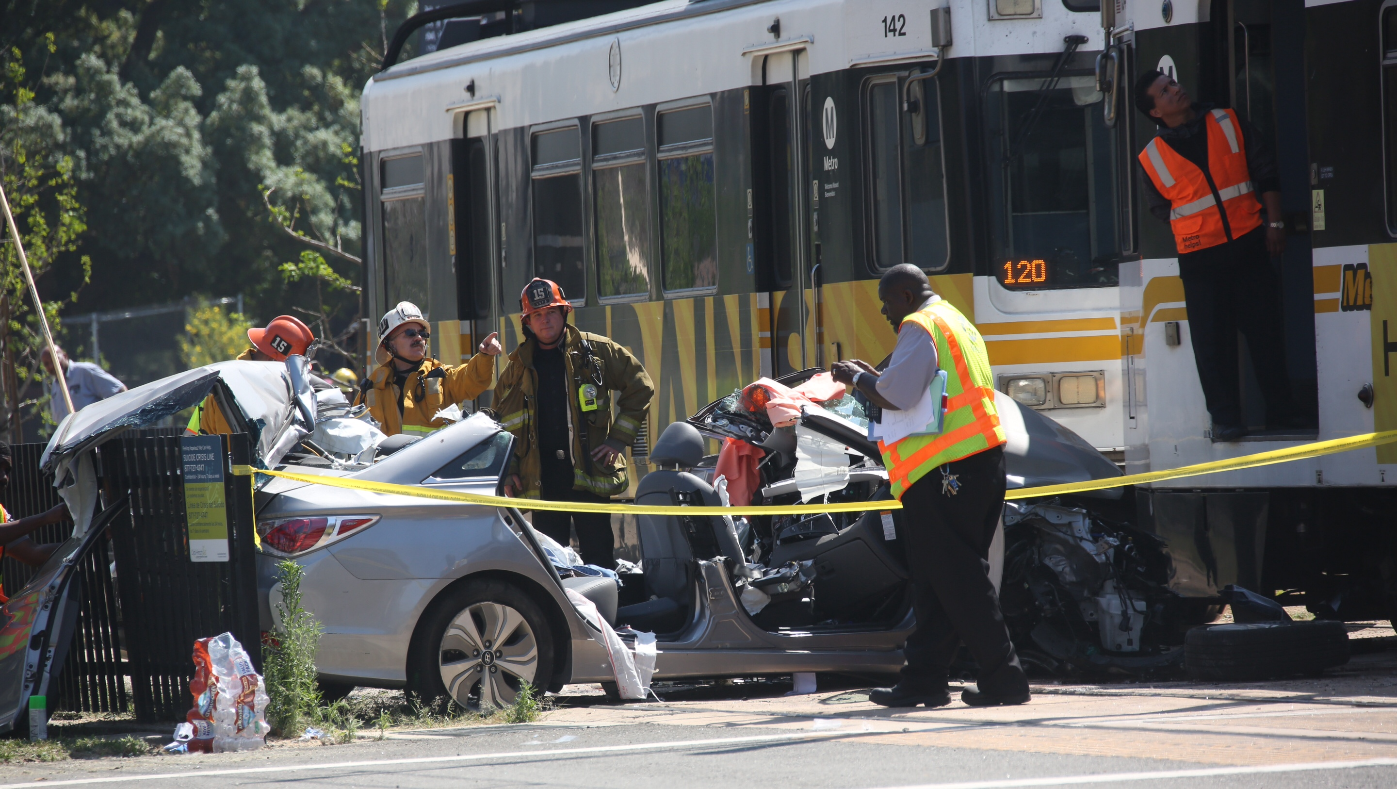Los Angeles Car Accident: Train Hits Car On Tracks And Derails, 21 Hurt