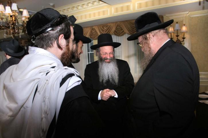 Rav Gelbman (R) meeting  with Rav Malkiel Kotler rosh yeshiva of Beth Medrash Govoha in Lakewood.