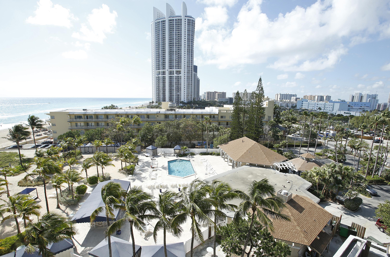 Sunny Isles Beach Fl Live In A Porsche Designer Labels Draw Miami Home Buyers