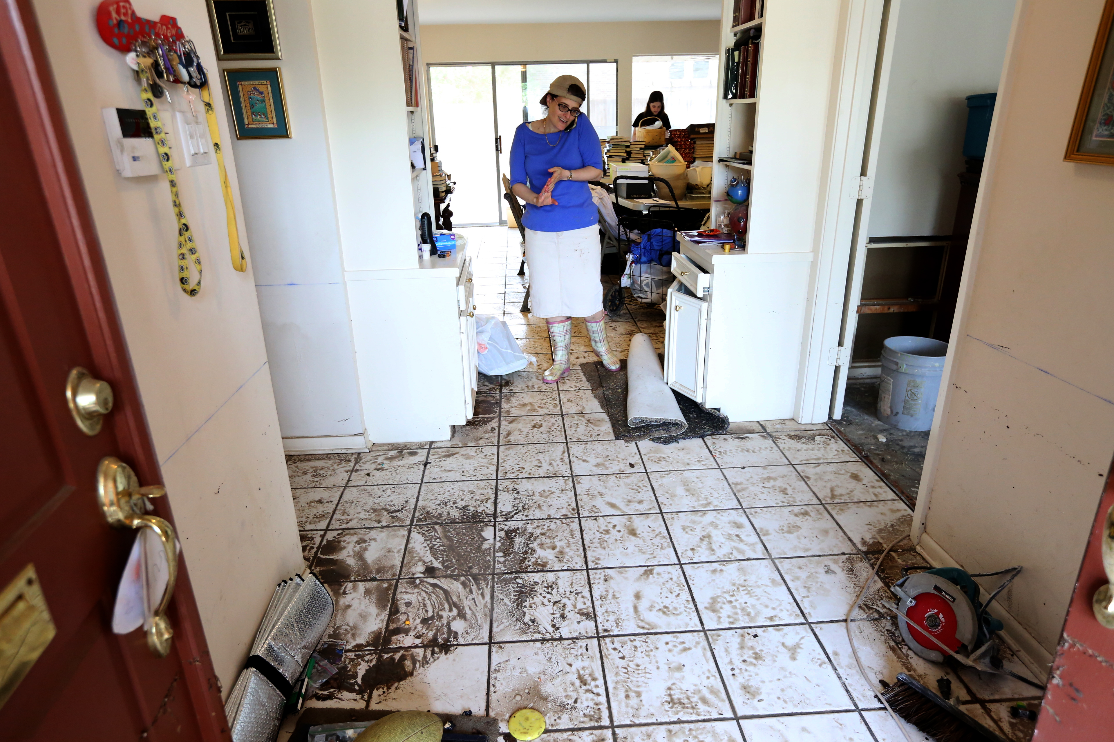 Texas houston s jewish community cleaning up after for Kosher house