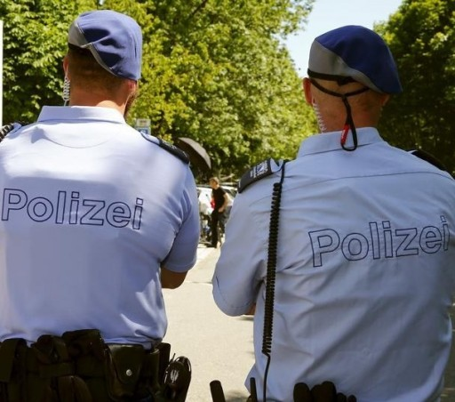 FILE - Swiss police officers in Zurich, Switzerland, June 3, 2015.  Reuters