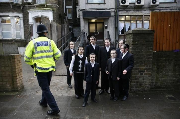 "United Kingdom – London-based Satmar School Apologizes, Pledges Change After Newspaper Reveals Lessons About ""Evil Goyim"