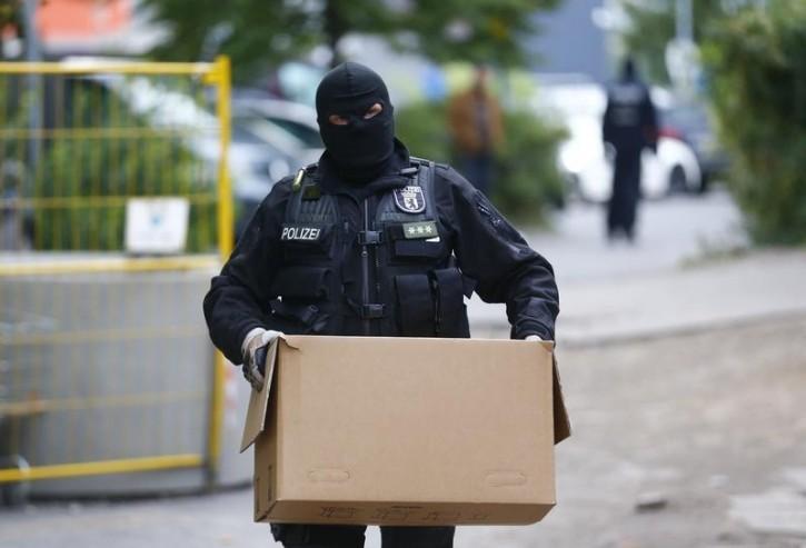 Berlin – Berlin Police Raid Mosque's Office In Terror Investigation