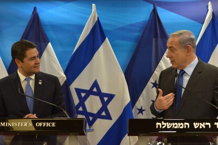 Prime Minister Benjamin Netanyahu meets with President of Honduras, Juan Orlando Hernández, in Jerusalem on October 29, 2015. Photo by Kobi Gideon