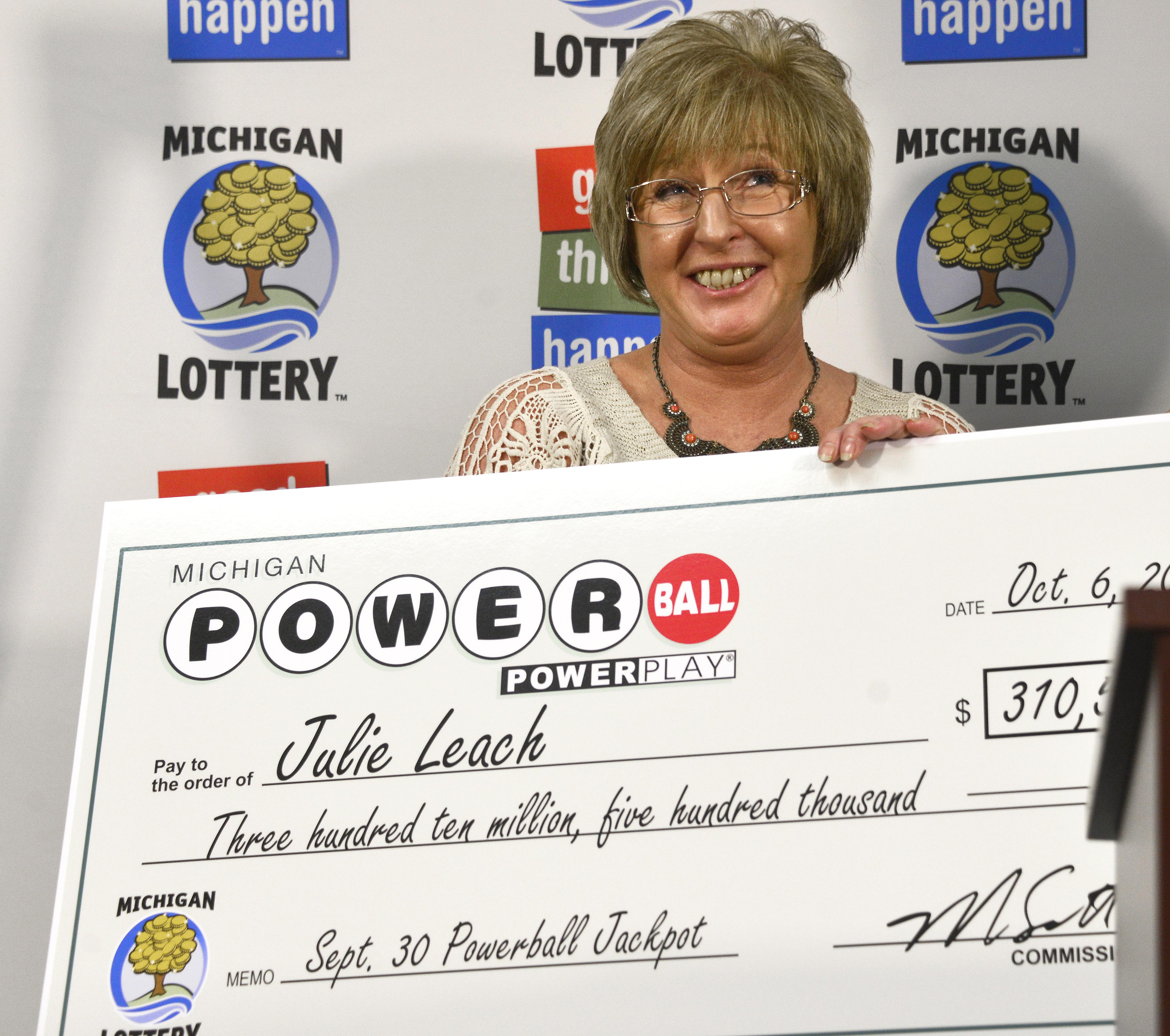 Lansing Mi Michigan Factory Supervisor Wins 310 5m Powerball Ticket