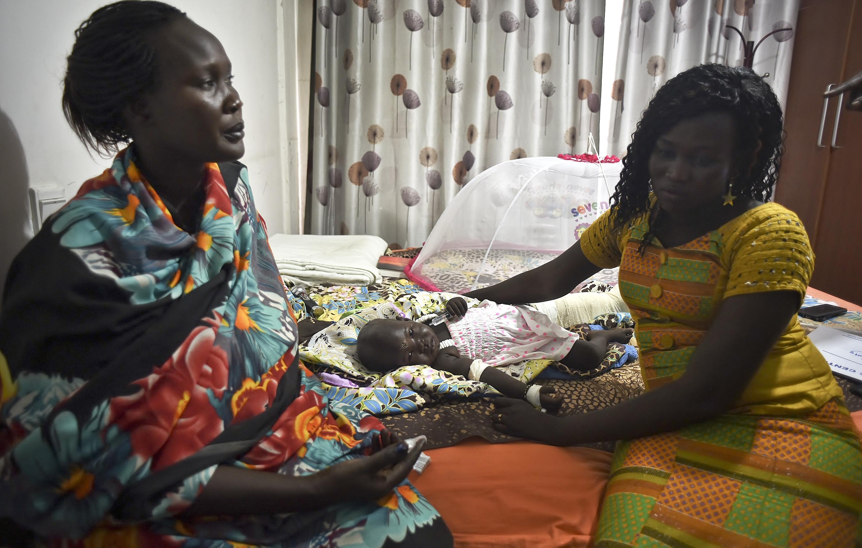 Juba, South Sudan - Witness: Baby Survived S Sudan Plane Crash In