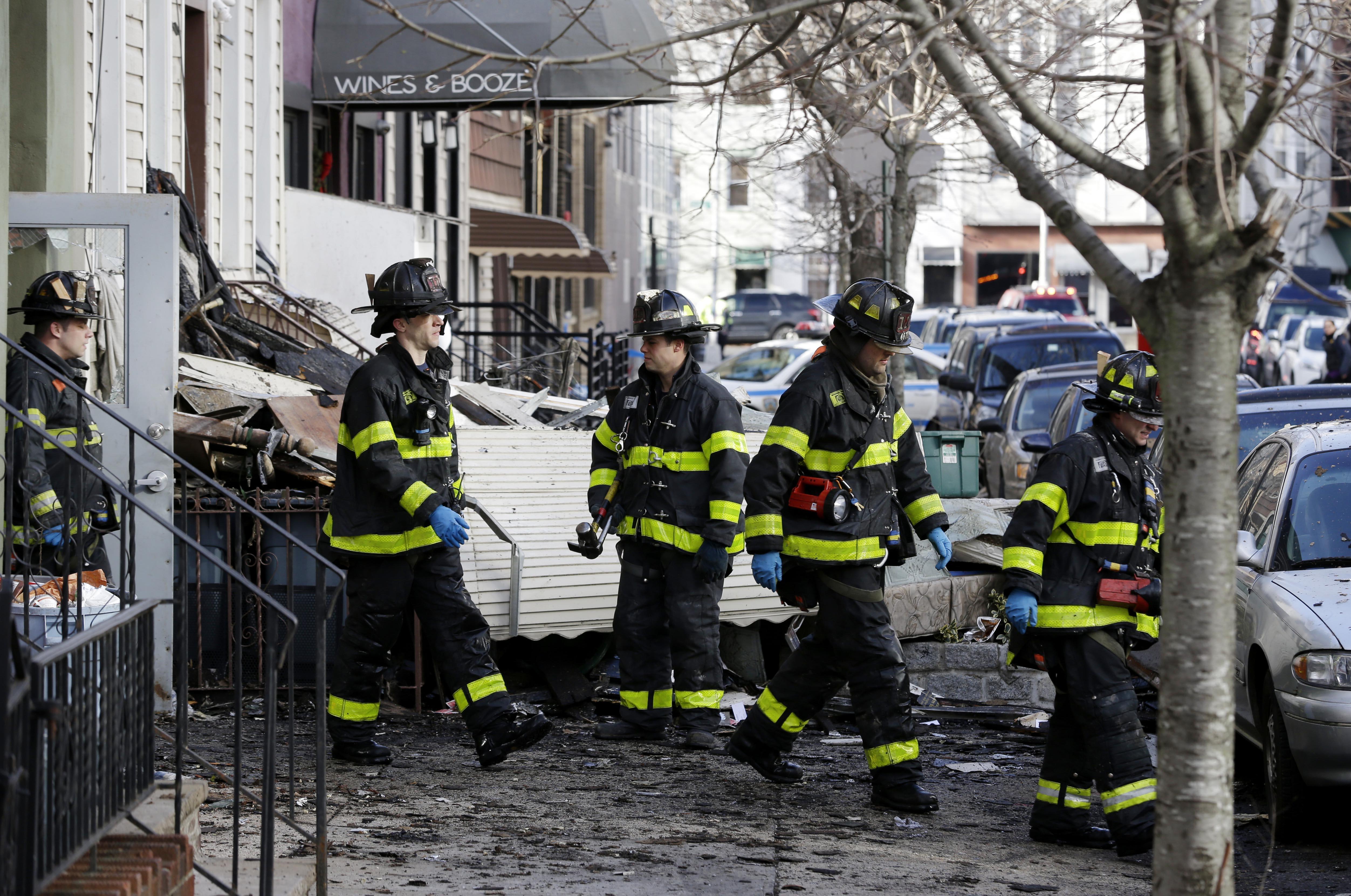 Apartment Building Brooklyn brooklyn, ny - fire kills 2 as it tears through williamsburg