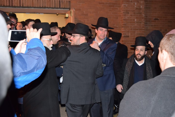 Hundreds at the funeral of Rabbi Greenwald in Monsey on Jan. 20, 2016