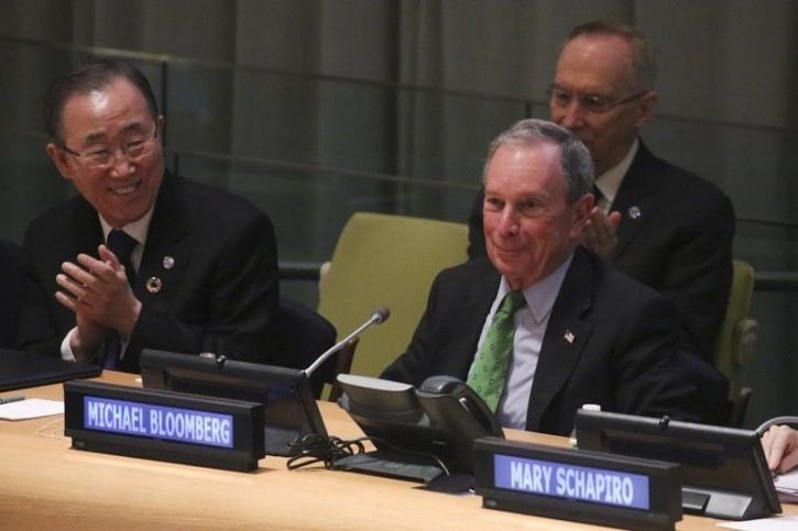 Former New York City Mayor Michael Bloomberg (R) speaks during the CERES Investor Summit on Climate Risk at the United Nations headquarters in the Manhattan borough of New York, January 27, 2016.     REUTERS/Carlo Allegri