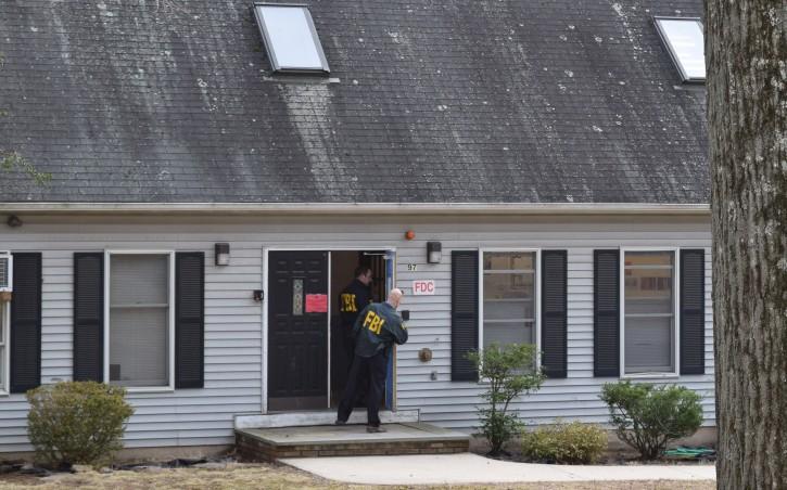 FBI agents in Rockland County last week. (Sandy Eller/VINnews.com)
