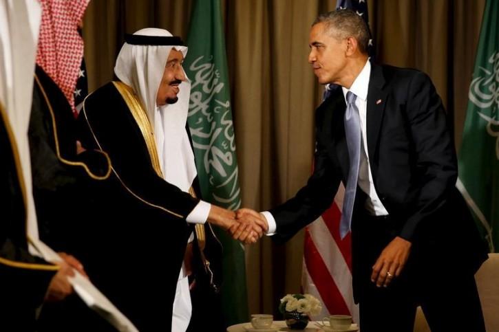 FILE - U.S. President Barack Obama shakes hands with Saudi Arabia's King Salman after their meeting alongside the G20 summit at the Regnum Carya Resort in Antalya, Turkey, November 15, 2015. REUTERS/Jonathan Ernst