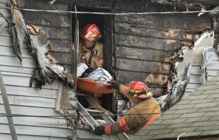Syracuse Ny 6 Family Members Including 4 Kids Killed