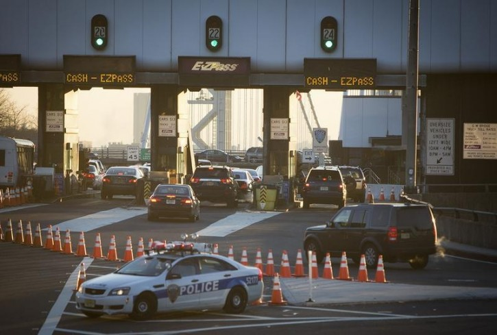 FILE - The George Washington Bridge toll booths are pictured in Fort Lee, New Jersey January 9, 2014. REUTERS