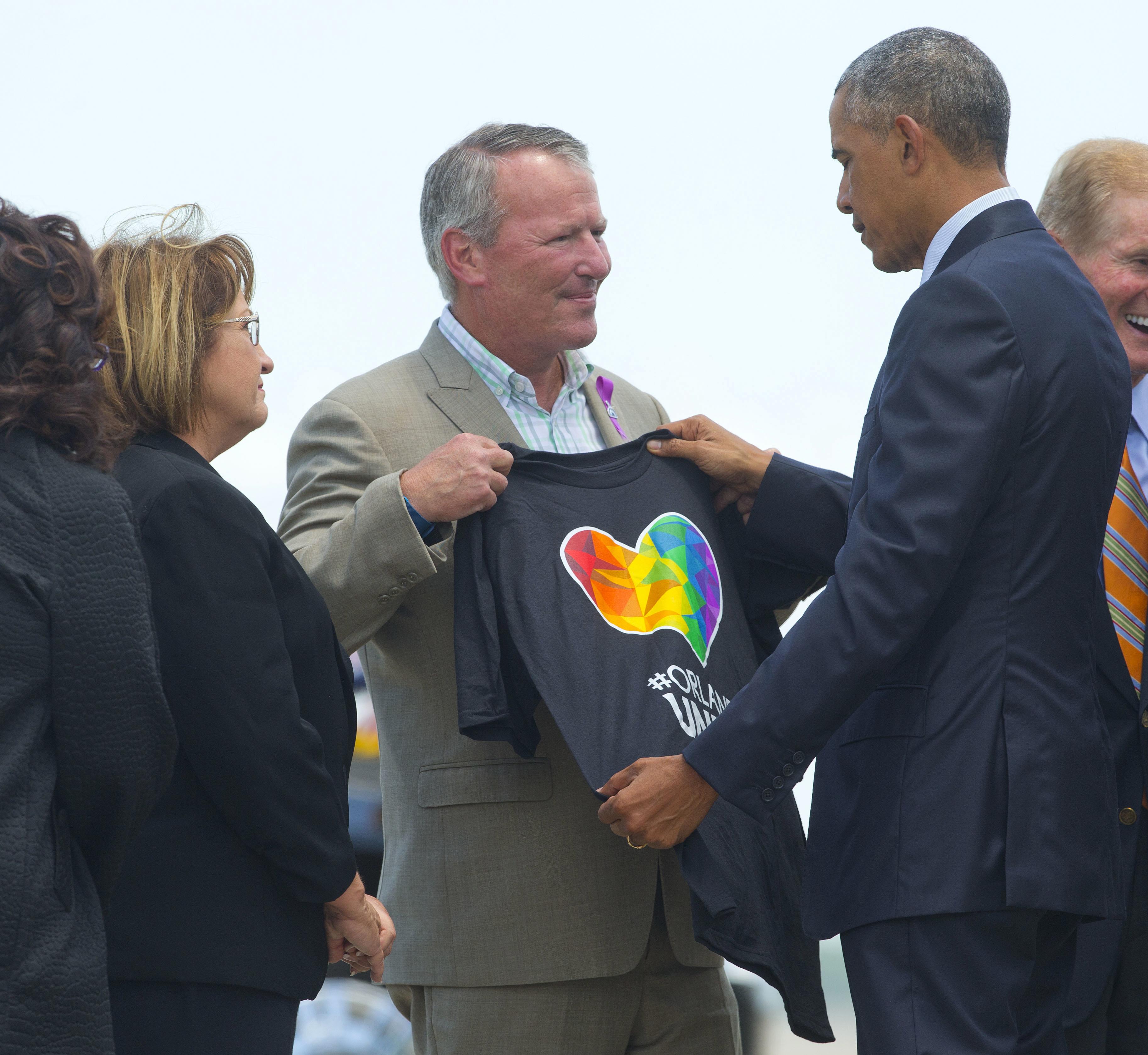 Orlando Nightclub Shooting Bodies: In Orlando, Obama Calls For Healing, Meets