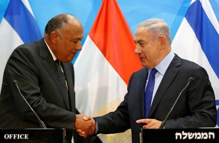 Israeli Prime Minister Benjamin Netanyahu meets Egypt's Foreign Minister Sameh Shoukry in Jerusalem July 10, 2016 REUTERS/Ronen Zvulun