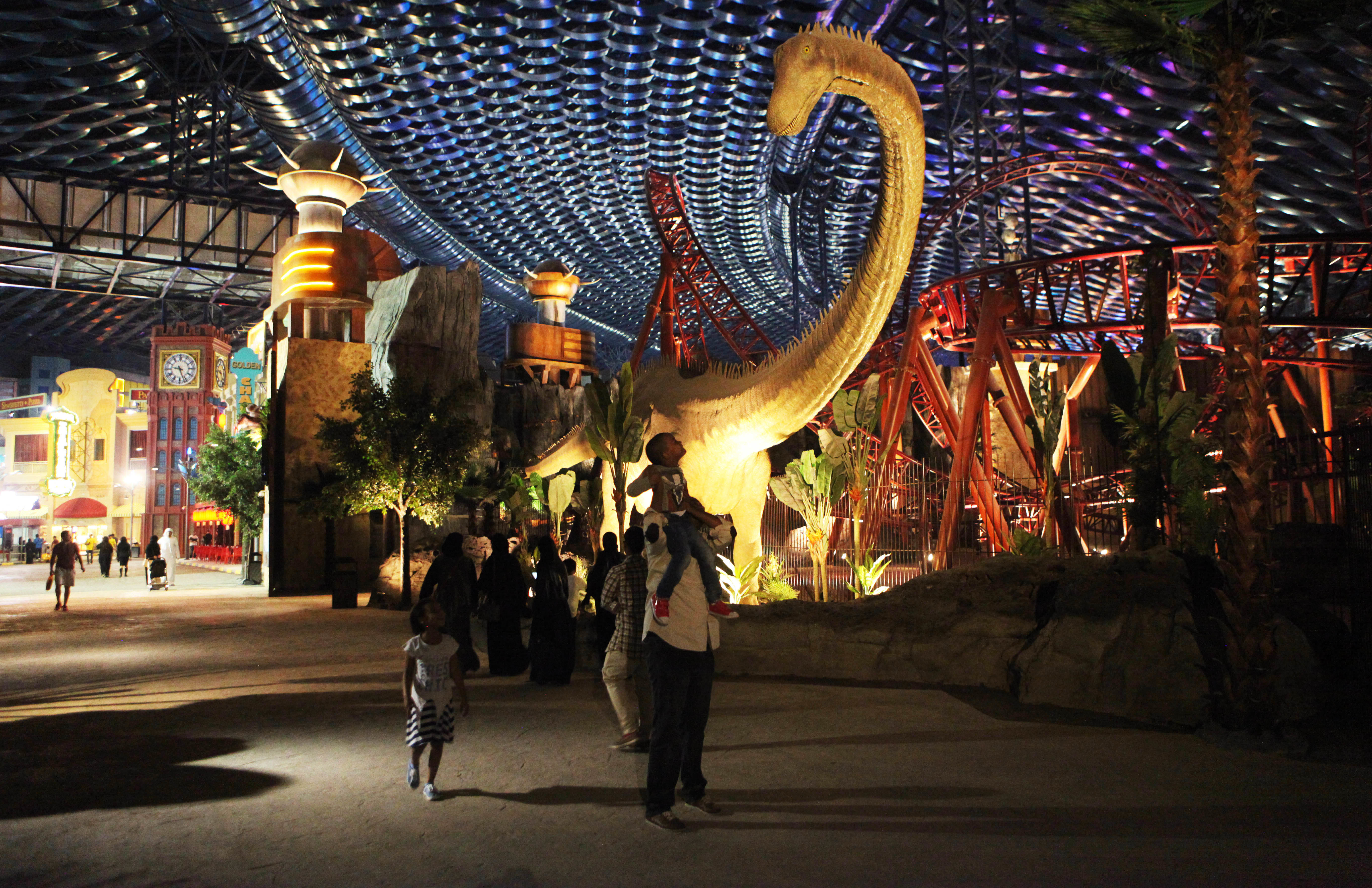 Dubai Dubai Opens World S Largest Indoor Theme Park