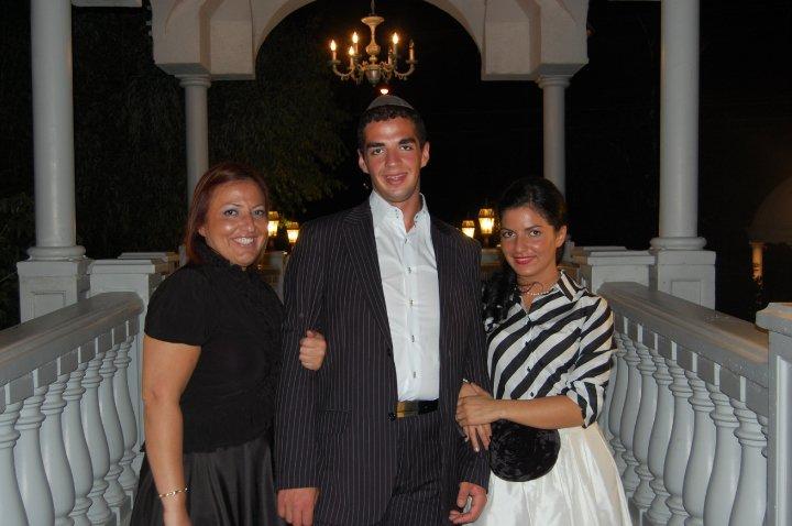 . Left to right Patricia Kadoche, Moshe Kadoche and sister Jessica Davis.