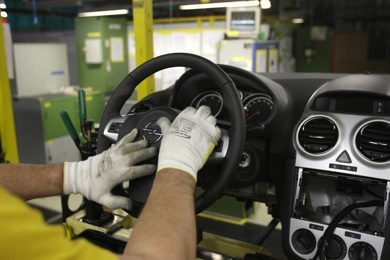 Detroit gm recalls 4m vehicles for air bag defect linked for General motors retiree death benefits