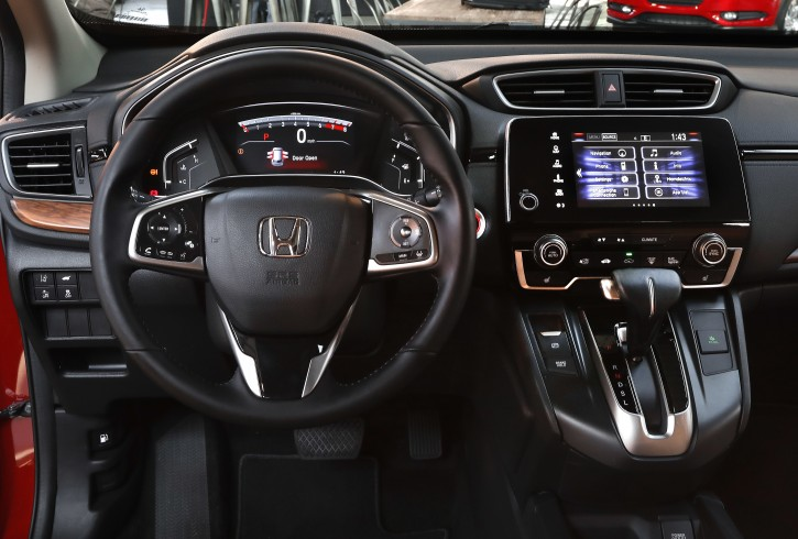 Detroit - The New Family Car: Honda Revamps Small SUV