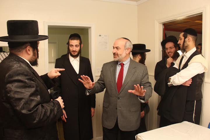 FILE - Shalom Lamm talking with Chasidic residents in Bloomingburg yeshiva. Nov. 24, 2014 (Shimon Gifter/VINnews.com)