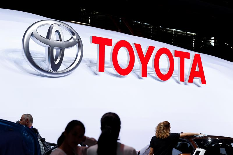 Plano tx toyota recalls 744 000 sienna minivans to fix for Toyota motor north america inc plano texas